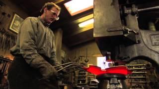 Tom Joyce shaping bowl