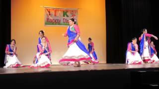 "The Vibrant Folk Dance Of Gujarat ""Nagada Sang Dhol Baaje"" IAK Diwali Night 2014"