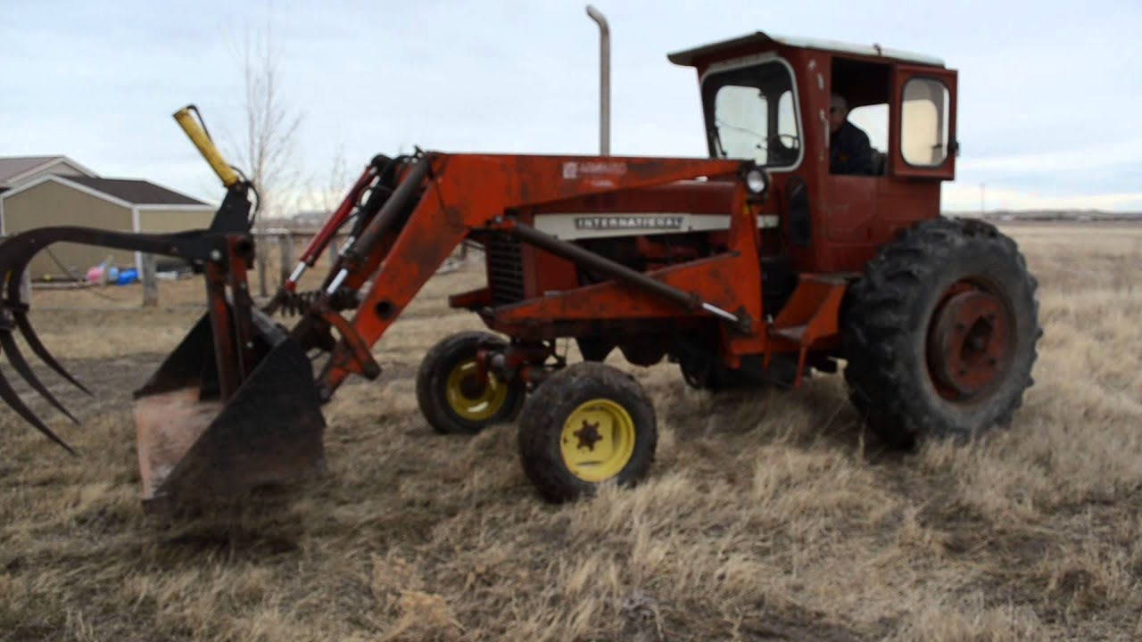 Ih 2424 Tractor Loader : International farmall tractor with bucket youtube