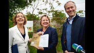 Svenja Schulze übernimmt Wildbienenpatenschaft