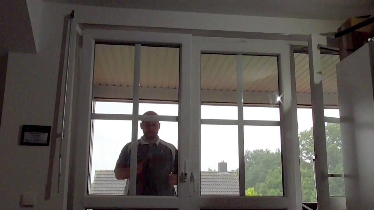 Aus Der Wohnung Ausgesperrt (Tür Und Fenster öffnen)