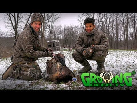 Turkey Hunting | Cold, Snowy Morning With Hot Birds (#438)  @GrowingDeer.tv