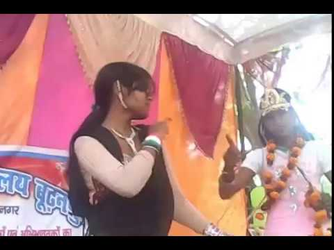Chalkat hamri gagariya ye kaanha...stage show..