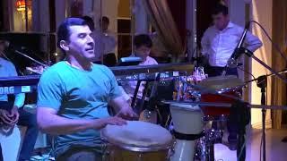 Remix на одной из свадьбы  Мужик взорвал зал своим талантом  Музыка автохит