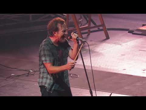 Pearl Jam - Can't Deny Me (Live in Santiago, Chile 2018)
