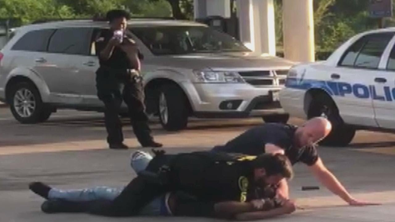 Security Guard Criticized for Ignoring Officer's Pleas for Help During  Arrest