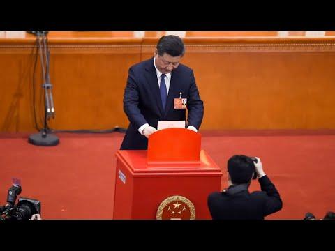 البرلمان الصيني يقر تعديلا دستوريا يتيح لشي جينبينغ البقاء في الرئاسة مدى الحياة  - 09:22-2018 / 3 / 12