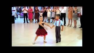 Cute girl dance on Mere Rashke Qamar by Ustaad Nusrat Fateh Ali Khan 2016