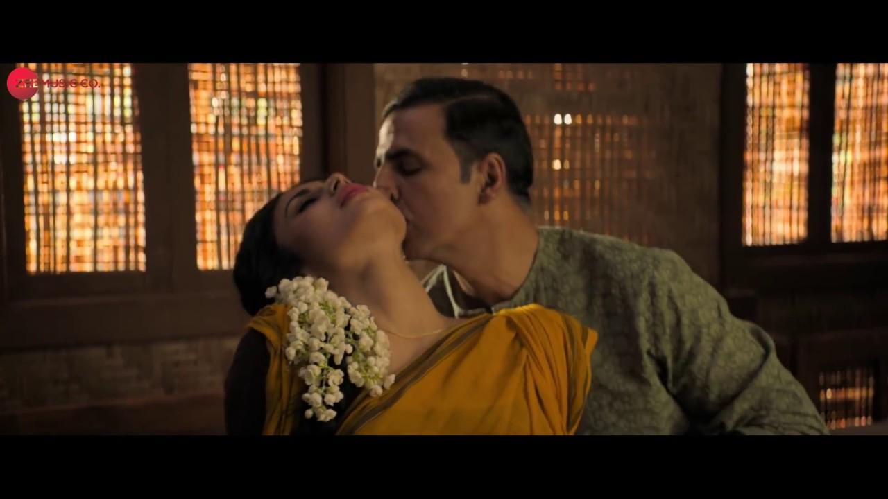 Download Mouni Roy Hot Body Enjoyed By Akshay Kumar