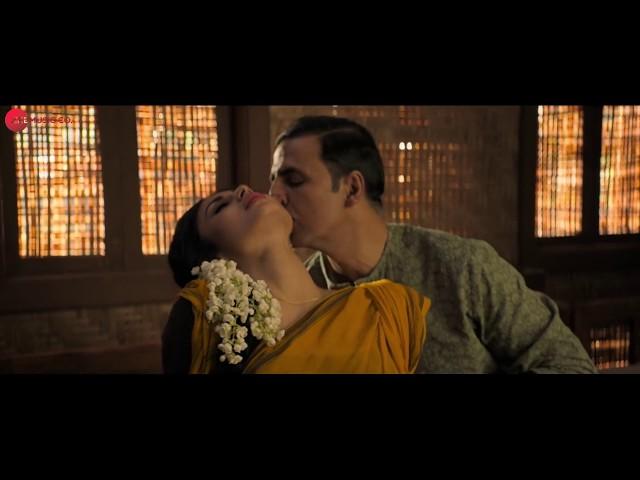 Mouni Roy Hot Body Enjoyed By Akshay Kumar