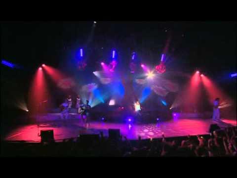 Alizee live 2004