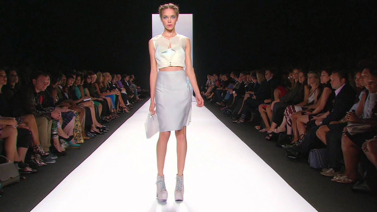 c01779bb4556 Lord & Taylor on the Project Runway Season 10 Finale - YouTube