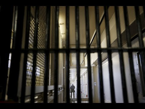 News Wrap: South Carolina inmates die in prison battle