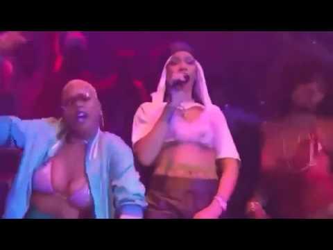 Rihanna VMAS Dancehall 2016