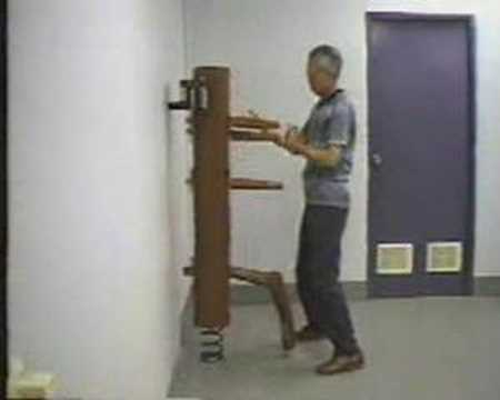 Wing Chun - Tsui Sheung Tin (Chu Shong Tin) Wooden Dummy form