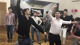 Кайфовая Чеченская Песня Лезгинка Madina Madina ALISHKA RAMIL 2019 Парни Круто Танцуют В Баку