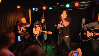 "Simple Plan: ""Crazy"" (Unplugged)"