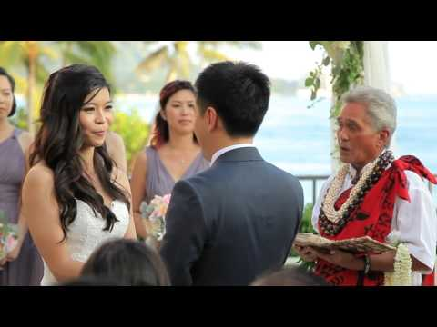 Hawaii Wedding, Oahu | Mabel + Jackie | Halekulani Wedding
