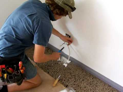 Electricians Mildura - Fitting off a Power point Part 1 Video.mov