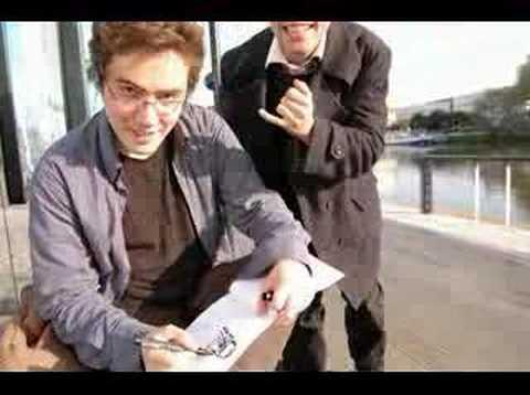 Rami me dessinant avec mathieu qui fait le con