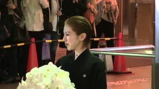 2011年11月20日 東京宝塚劇場雪組千秋楽、彩那音さんの出待ちです。