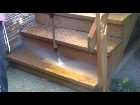 Power washing the stain off my deck, done easy! Gas pressure washer!