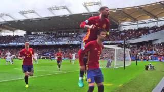 Gerard Piqué y Sergio Ramos unen a España