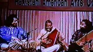 USTAD SALAMAT ALI KHAN & SHAFQAT ALI  with USTAD TARI KHAN ON TABLA