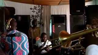 Ayebourou O - Gnonnas Pedro Tribute (rehearsing)