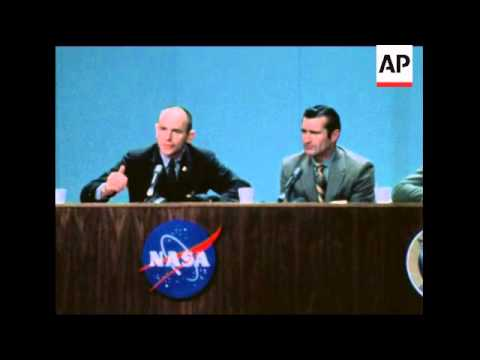 SYND 13-12-69 CREW OF APOLLO 12 HOLD PRESS CONFERENCE