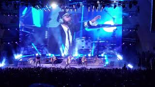 Dierks Bentley @ The Hollywood Bowl 2018 - Drunk on a plane