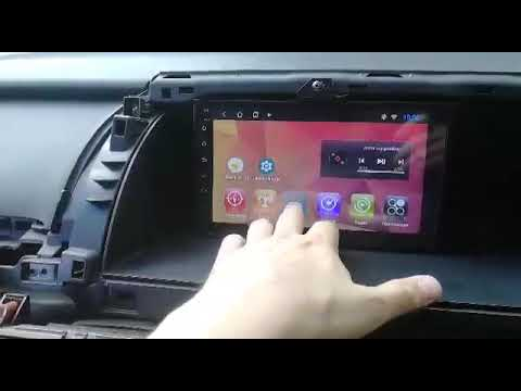 Еще магнитола на Honda Elysion