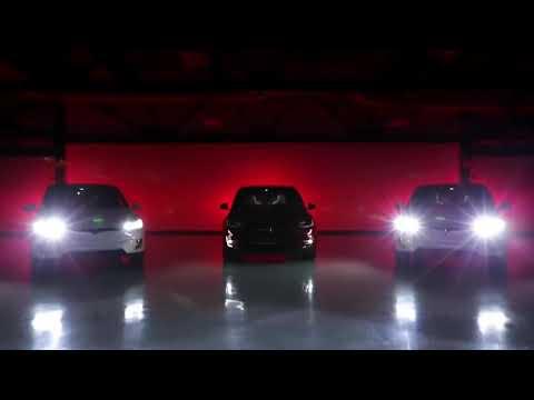 Автомобили Тесла танцуют под музыку