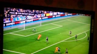 Where is the ball EA? Fifa 14 glitch