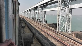 Crossing the Ganga on the Farakka Barrage - New Jalpaiguri-Howrah Shatabdi (Mar. 2, 2013)