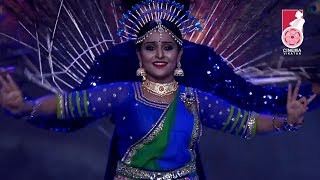 Beautiful Dance performance of Remya Nambeesan | Vikatan Nambikkai Awards
