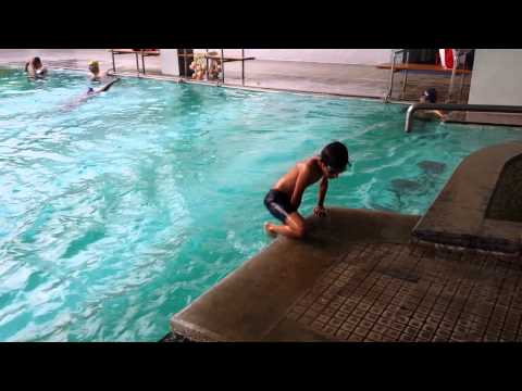 Shreyas Yaranal - Swim Learning class 1 - 2014, Bangalore