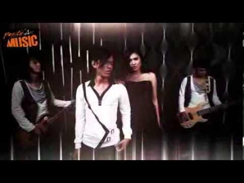 Sulung Band ~ Kuceraikan Dengan Doa (Official Video Clip)