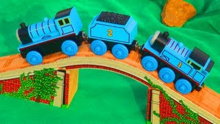 Thomas And Friends Arched Stone Bridge Rail + Wooden Thomas Tank Engine & Edward Train Toy Review!