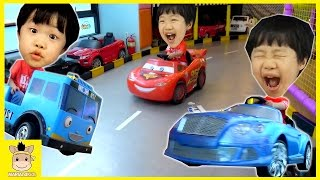 Indoor Playground Fun for Kids and Figner Family Song Play Slide Disney Car Drive | MariAndKids Toys