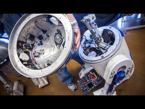 The Anatomy of an R2-D2 Astromech Droid!