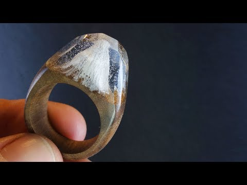 I am Making the Ring with Mount Everest inside in epoxy resin and wood Persian walnut