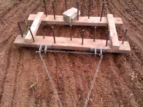 Tracteur tondeuse avec herse maison youtube for Construire maison pas cher design