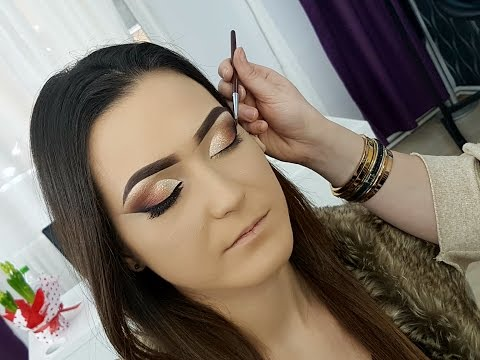 Pencil and Eyeliner Gel Makeup Technique