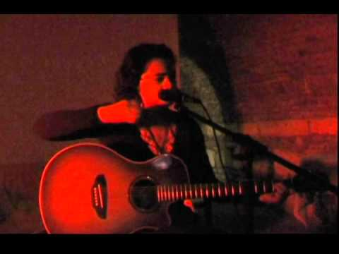 Juli Pusztai - Quand elle rit aux éclats (Vaya Con Dios) + Valentine (Tanita Tikaram)
