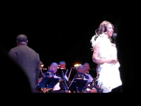 """Aretha Franklin """"Oh Me Oh My (I'm A Fool For You Baby)"""" Live NJPAC March 14, 2015"""