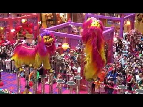 Acrobatic Lion Dance @ 1 Utama Shopping Centre (18 Jan 2014) by Khuan Loke Dragon & Lion Dance