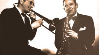 Dorsey Brothers Orchestra - The Gentleman Obviously Doesn