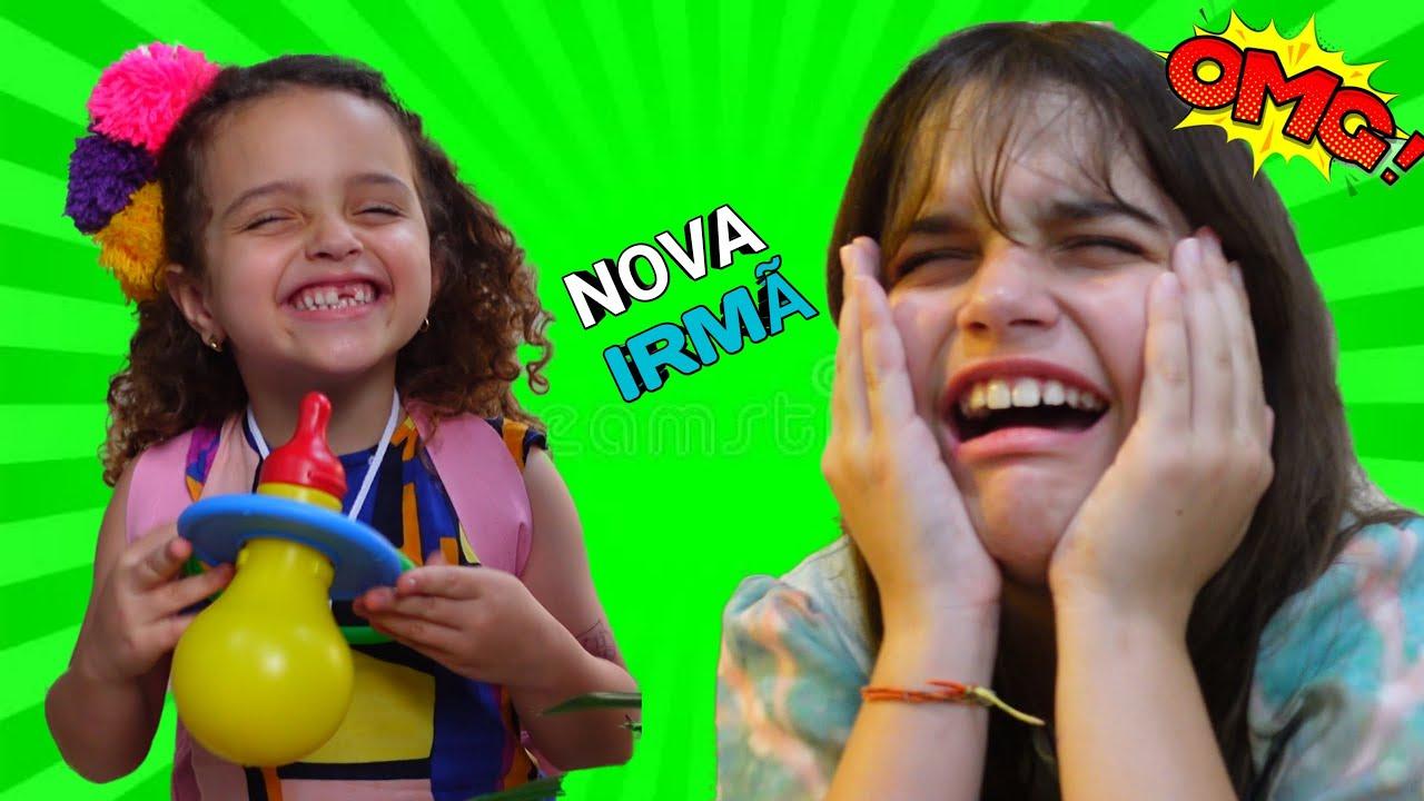 Marina e Elisa em uma História engraçada de uma nova irmã dos sonhos
