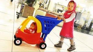 Diana at shop with Kids Mini Shopping Cart